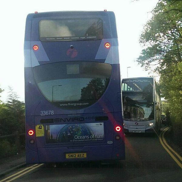 Traffic jam in Diggle - Two buses cannot pass - new Saddleworth School